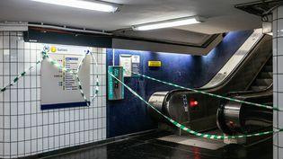 La stationHavre-Caumartin sur la ligne 3 est fermée au public en raison de la grève, le 17 décembre 2019, à Paris. (MATHIEU MENARD / HANS LUCAS / AFP)
