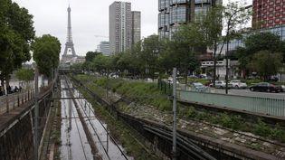 Un tronçon de la ligne du RER C photographiée le 3 juin 2016, à Paris. (JOEL SAGET / AFP)
