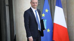 Le ministre de l'Education, Jean-Michel Blanquer, à la sortie du Conseil des ministres, le 21 février 2018. (MAXPPP)