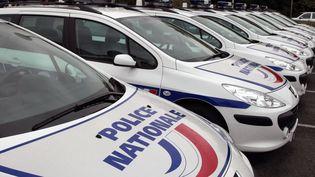 Des voitures de police stationnées à Bobigny, le 30 septembre 2008. (JACQUES DEMARTHON / AFP)