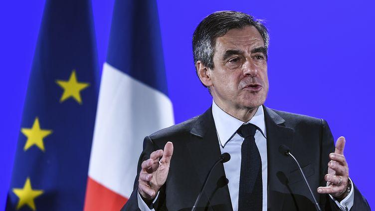 Le candidat Les Républicains à la présidentielle François Fillon, à Besançon en mars 2017. (SEBASTIEN BOZON / AFP)