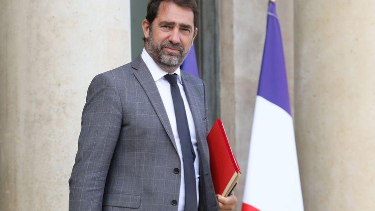 Christophe Castaner sur les marches de l'Élysée, le 19 septembre 2018. (LUDOVIC MARIN / AFP)