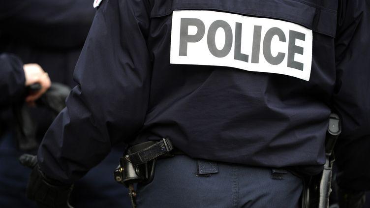 500 policiers sont blessés chaque mois sur le terrain, dans l'exercice de leur métier. (FRED TANNEAU / AFP)