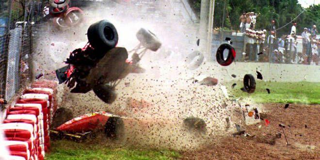 Michael Andretti (McLaren) dans ses oeuvres au GP du Brésil 1993