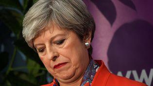 La Première ministre britannique, Theresa May, le 9 juin 2017, à Maidenhead (Royaume-Uni), lors des élections législatives. (TOBY MELVILLE / REUTERS)