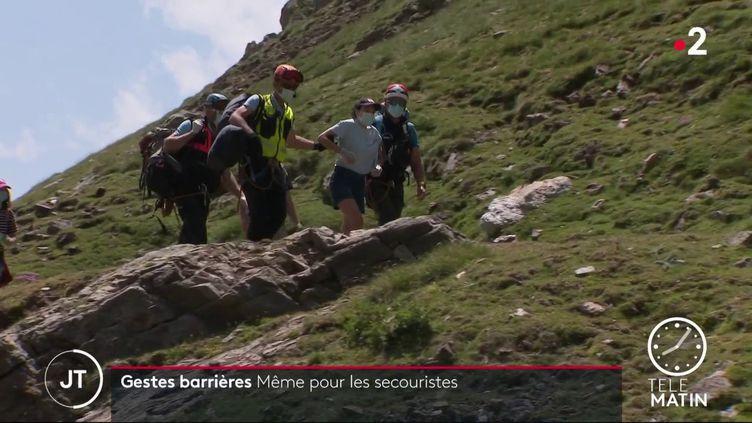 Des secouristes de haute montagne. (France 2)