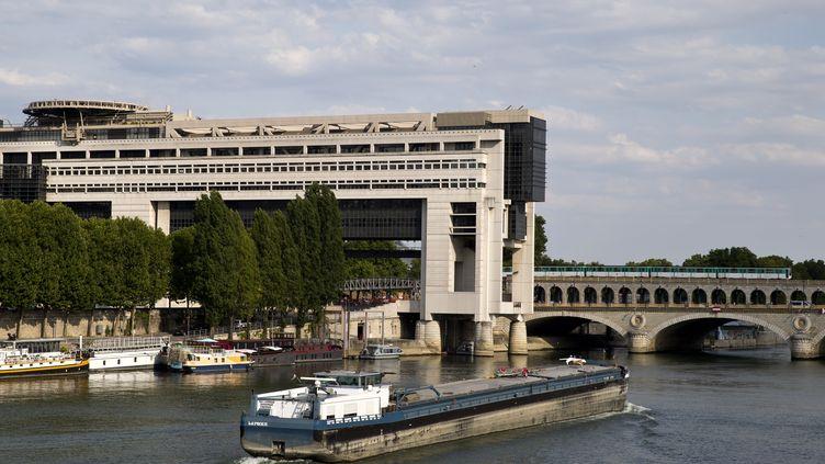 Le ministère de l'Economie et des Finances dans le quartier Bercy à Paris. (KENZO TRIBOUILLARD / AFP)