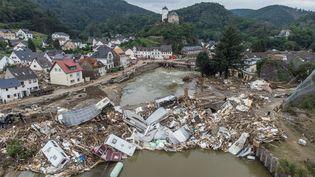 La ville d'Altenahr (Allemagne), dévastée par des inondations, le 19 juillet 2021. (BORIS ROESSLER / DPA / AFP)