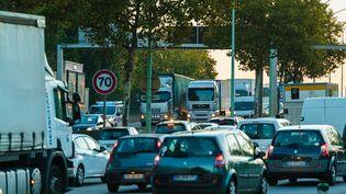 Des embouteillages à Paris, le 7 novembre 2017. (SIMON GUILLEMIN / HANS LUCAS / AFP)