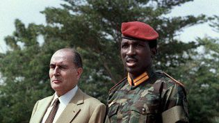 François Mitterrand et Thomas Sankara le 17 novembre 1986 à Ouagadougou. (DANIEL JANIN / AFP)