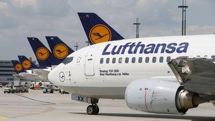 La compagnie aérienne Lufthansa propose aux Suédois de changer de nom pour gagner une nouvelle vie à Berlin (allemagne). (RALPH ORLOWSKI / REUTERS)
