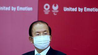 Toshiro Muto, chef du comité d'organisation des Jeux olympiques, en conférence de presse le 8 juin 2021. (BEHROUZ MEHRI / AFP)