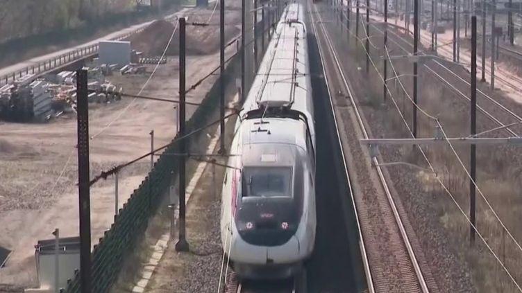 Coronavirus : le premier TGV médicalisé est parti de Strasbourg (FRANCE 2)