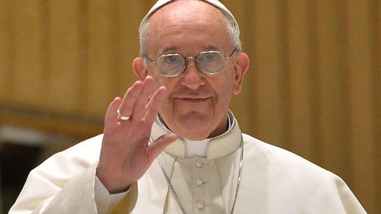 Le pape François, lors d'une audience privée avec milliers de représentants de la presse mondialedansl'auditorium Paul VI,le 16 mars 2013au Vatican. (ALBERTO PIZZOLI / AFP)