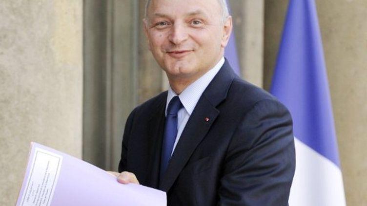Didier Migaud à l'Elysée pour remettre le rapport 2010 sur les comptes et la gestion de la Présidence de la République (AFP PHOTO / ERIC FEFERBERG)