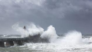 Selon Météo France, la première tempête de l'automne atteindra la façade atlantique le 3 novembre 2019. (LEROY FRANCIS / HEMIS.FR / AFP)