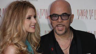 Pascal Obispo et sa femme Julie Hantson, lors du 16e Dîner de la mode à Paris, jeudi 25 janvier 2018. (THOMAS SAMSON / AFP)