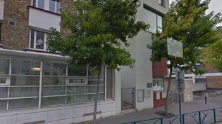 Capture d'écran de Google Street View montrant l'école maternelle Liberté à Pantin (Seine-Saint-Denis) où un professeur en petite section a été suspendu après des soupçons de violences sur des élèves. (GOOGLE STREET VIEW)