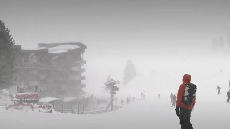 Haute-Savoie : les skieurs d'Avoriaz bravent le mauvais temps (FRANCE 3)