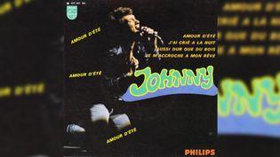 """Le 45 tours d'""""Amour d'été"""" de Johnny Hallyday. (DR)"""
