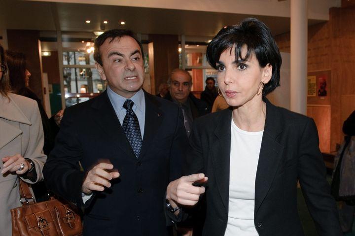 Carlos Ghosn, alors PDG de Renault-Nissan, avec la députée européenne et avocat Rachida Dati aux Etats généraux de l'emploi des jeunes en Europe, à Paris, le 7 décembre 2010. (MAXPPP)