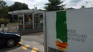 L'entrée du centre hospitalier du Rouvray (Eure), le 4 août 2005. (MAXPPP)