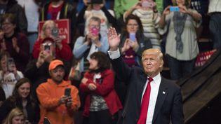 Donald Trump lors de son premier meeting de remerciement à Cincinnati dans l'Ohio (TY WRIGHT / GETTY IMAGES NORTH AMERICA)
