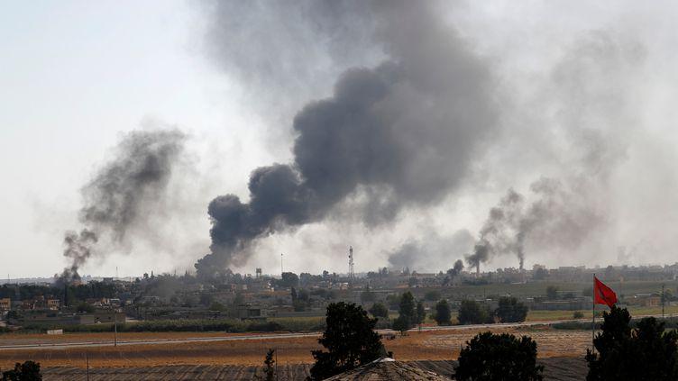 L'offensive d'Ankara contre une milice kurde dans le nord-est de la Syrie provoque le 10 octobrela fuite de milliers de civils. (MURAD SEZER / REUTERS)