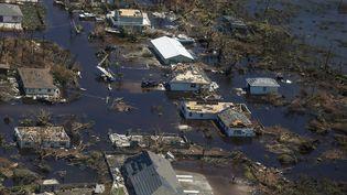 Une vue aérienne des inondations et des dommages causés par l'ouragan Dorian sur l'île Abaco dans l'archipel des Bahamas, le 5 septembre 2019. (ADAM DELGIUDICE / AFP)