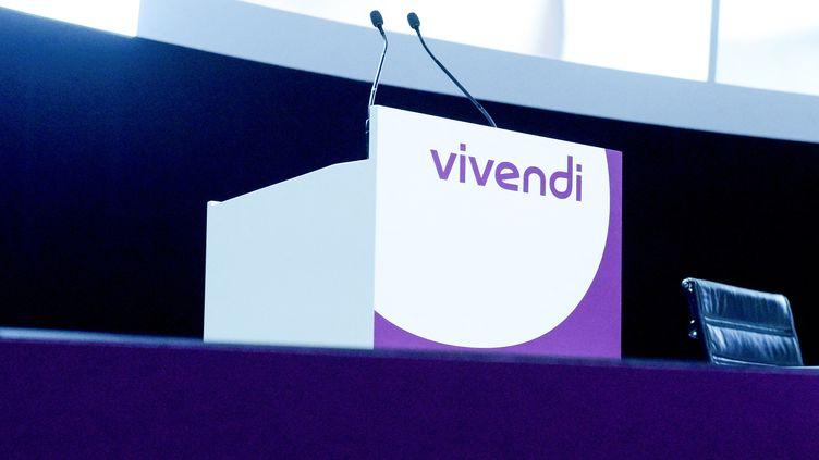 Une assemblée générale de Vivendi en 2018 (illustration). (ERIC PIERMONT / AFP)