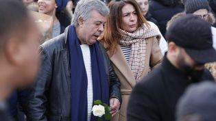 Doria Chouviat, la veuve de Cédric Chouviat, lors de la marche blanche en hommage à son défunt mari, le 12 janvier 2020 à Levallois-Perret. (GEOFFROY VAN DER HASSELT / AFP)