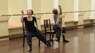 """""""Danser Schubert au XXIe siècle"""", la nouvelle chorégraphie du Ballet du Rhin créée par les danseurs (France 3 Grand Est)"""