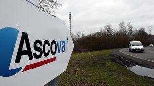 """Un panneau indicateur """"Ascoval"""" à Saint-Saulve (Nord). (FRANCOIS LO PRESTI / AFP)"""