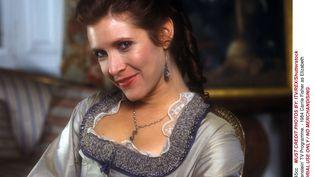 """En 1984, Carrie Fisher incarne Elizabeth dans le film de Série B """"Frankenstein"""",. (ITV/SHUTTERSTOCK/SIPA / REX)"""