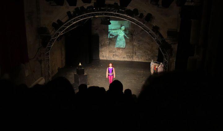 """""""Touchée par les fées"""" Ariane Ascaride salue son public  (LH / Culturebox)"""