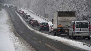 Des embouteillages à Le Forez (Loire), le 5 février 2018. (MAXPPP)