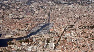 Vingt-trois personnes ont été tuées dans des règlements de comptes depuis le début de l'année 2012 à Marseille (Bouches-du-Rhône). (THOMAS COEX / AFP)