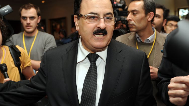 Le chef de l'Armée syrienne libre, Selim Idriss, arrive à une réunion des Amis de la Syrie, le 20 avril 2013, à Istanbul (Turquie). (OZAN KOSE / AFP)