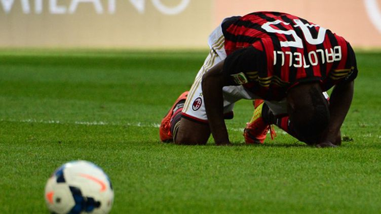 Mario Balotelli et le Milan AC touchent le fond (GIUSEPPE CACACE / AFP)