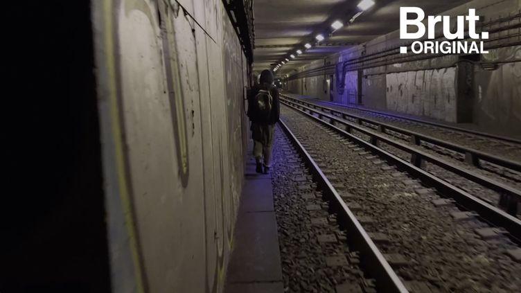 VIDEO. En immersion avec des graffeurs dans le métro de Paris (BRUT)