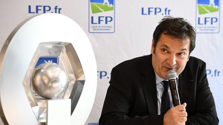 Didier Quillot, le directeur général exécutif de la Ligue de football professionnel, lors d'une conférence de presse le 20 avril 2017 à Paris. (FRANCK FIFE / AFP)