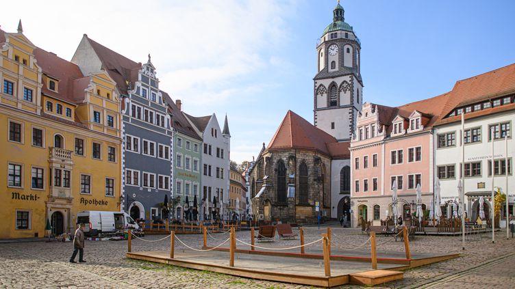 La place du marché désertée devant la Frauenkirche de Meissen en Saxe allemande, le 6 novembre 2020. (ROBERT MICHAEL / ZB)