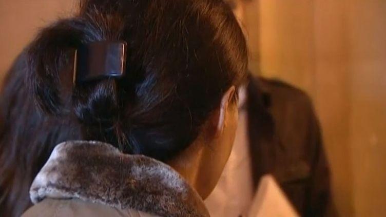 Cécile B. dit s'être souvenue, grâce à une séance d'hypnose, d'un viol subi en 1977. ( FRANCE 3 / FRANCETV INFO)