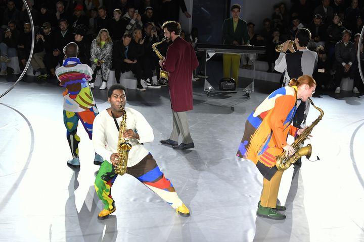 Défilé Homme Plissé Issey Miyake automne-hiver 2020-21 à la Paris Fashion Week, le 16 janvier 2020 (AURELIEN MEUNIER / GETTY IMAGES EUROPE)