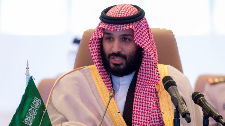 Le prince héritier d'Arabie saoudite Mohammed ben Salmane, à Riyad, la capitale saoudienne, le 26 novembre 2017. (BANDAR ALGALOUD / SAUDI ROYAL CO / ANADOLU AGENCY / AFP)