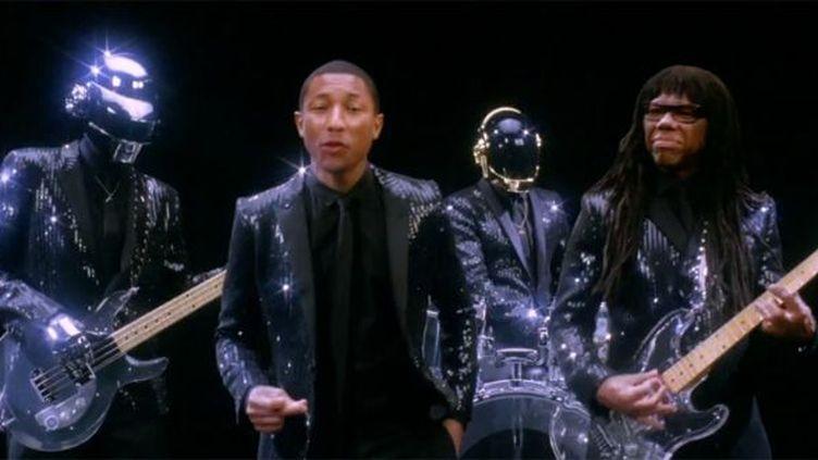 Daft Punk avec Pharrell Williams et Nile Rodgers dans le teaser projeté à Coachella.  (Columbia)