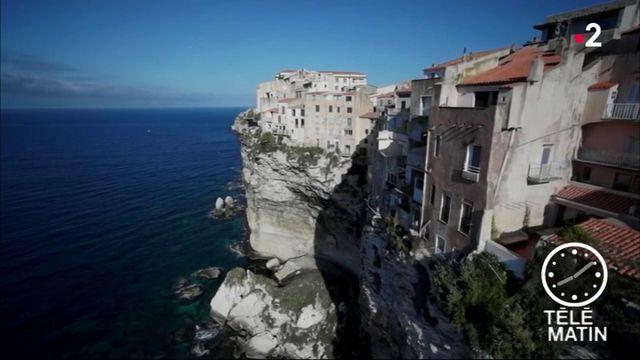 Corse : Bonifacio fait le plein de touristes