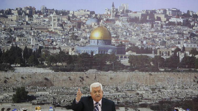 Mahmoud Abbas, le président de l'Autorité palestinienne, lors d'un discours à Ramallah, en Cisjordanie, le 19 mars 2018. (ISSAM RIMAWI / ANADOLU AGENCY / AFP)