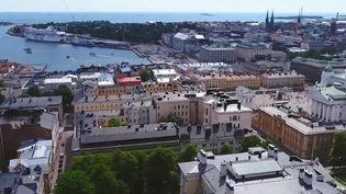 Entre volonté politique et prise de conscience de la population, l'une des capitales les plus propres de la planète, Helsinki, en Finlande, met tout en oeuvre pour rendre les déchets et les poubelles invisibles. (France 2)