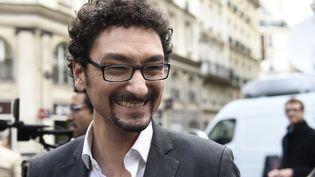 L'auteur David Foenkinos célèbre son prix Renaudot, reçu le 5 novembre 2014, à Paris, deux semaines avant le prix Goncourt des lycéens. (ERIC FEFERBERG / AFP)